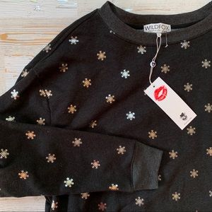 NWT WILDFOX Shimmery Snowflakes Road Trip Pullover